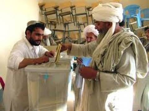 Οι Ταλιμπάν προειδοποιούν για νέες επιθέσεις ενόψει εκλογών