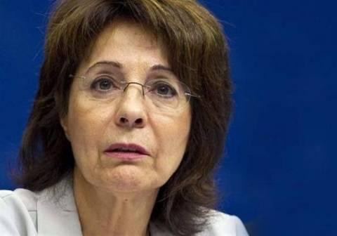 Η Δαμανάκη θέλει να παραμείνει Επίτροπος