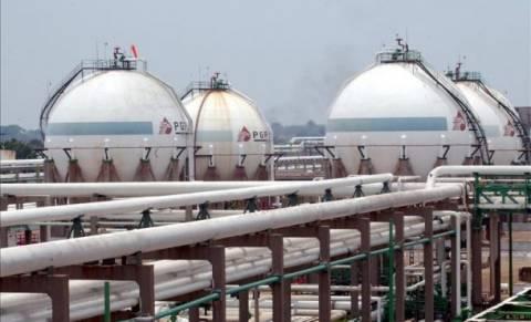 Μεξικό: Τροπικός κυκλώνας απειλεί το μεγαλύτερο διυλιστήριο πετρελαίου της Pemex