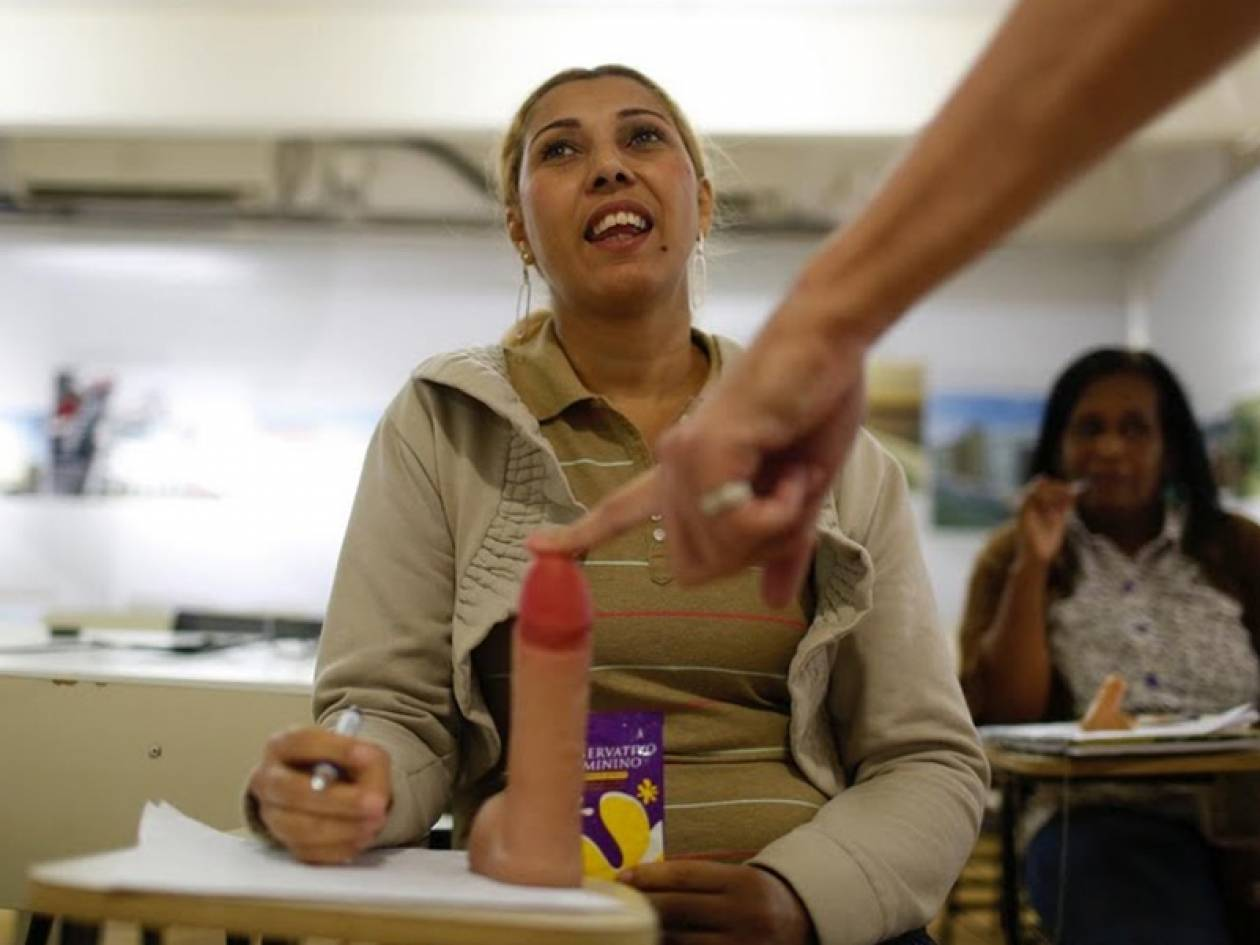 Πυρετώδεις προετοιμασίες για τις... πόρνες της Βραζιλίας ενόψει Μουντιάλ! (pics)