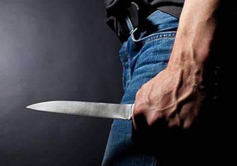 Μαχαίρωσε πέντε φορές την σύζυγό του