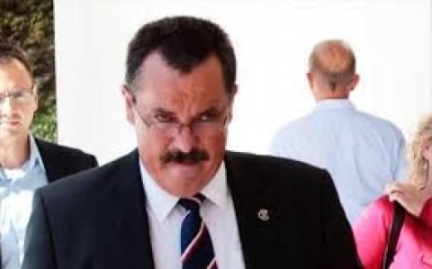 Χρ. Παππάς: Ανέβηκε στο βήμα της Βουλής με «ονόματα» πρωταγωνιστών σκανδάλων