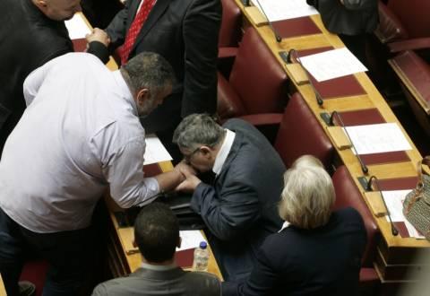 Δείτε φωτογραφίες από την επιστροφή Μιχαλολιάκου, Λαγού και Παππά στη Βουλή