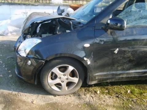 Σφοδρή σύγκρουση Ι.Χ. με φορτηγό- Με τραύματα ο ένας οδηγός