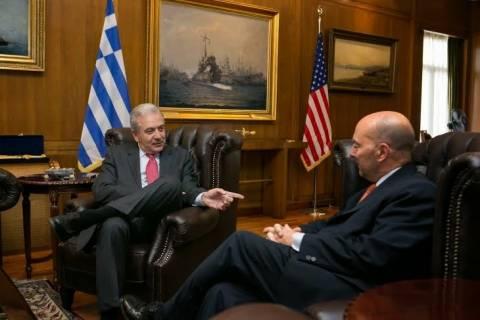 Συνάντηση Αβραμόπουλου με ναύαρχο των ΗΠΑ Τζ. Σταυρίδη