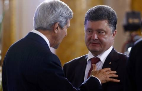 СМИ: Керри попросил у Порошенко доказательства связи РФ с ополченцами