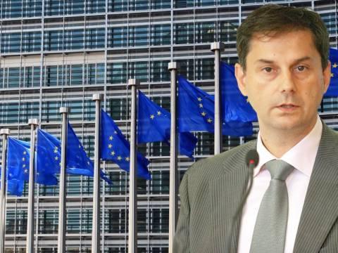 Παραίτηση Θεοχάρη: Έντονη ανησυχία από την Ευρωπαϊκή Επιτροπή