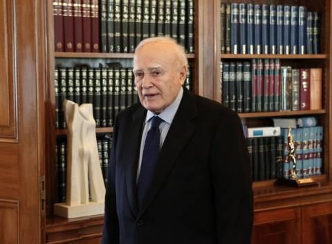 Στη Νορμανδία έφτασε ο Πρόεδρος της Δημοκρατίας Κάρολος Παπούλιας
