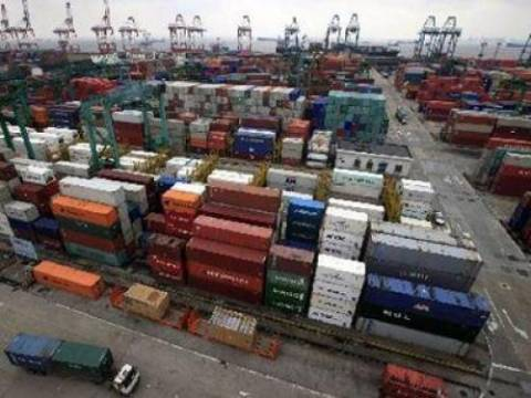 Μεγάλη πτώση των εξαγωγών τον Απρίλιο