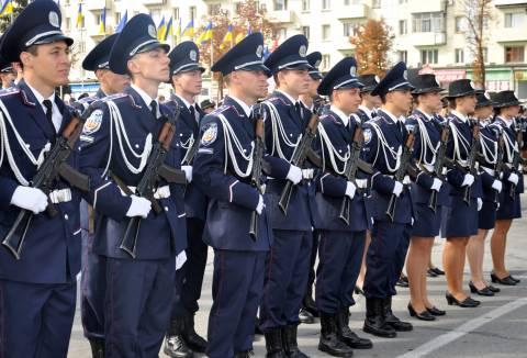 """Родители курсантов Луганского университета: """"Отдайте наших детей"""""""