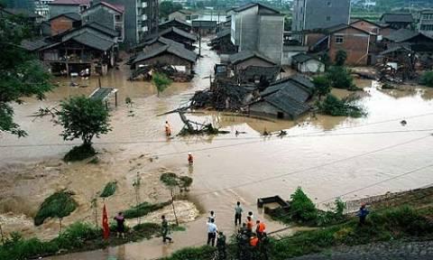 Κίνα: Μεγάλες καταστροφές από τις πλημμύρες