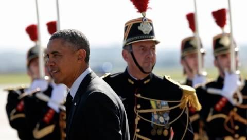 Французы раскритиковали Обаму за жвачку на церемонии в Нормандии
