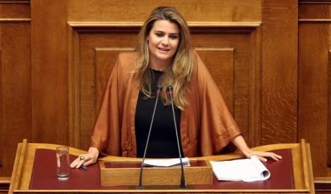 ΔΗΜΑΡ: Παραιτήσεις ζητά και η Φουντά