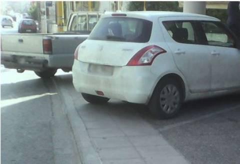 Δεν φαντάζεστε που παρκάρουν οι Κρητικοί – Δείτε φωτογραφίες