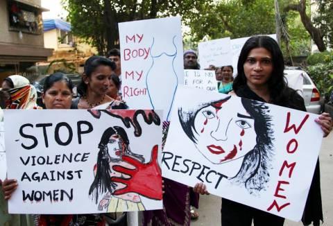 Ινδία: Νέα υπόθεση ομαδικού βιασμού με δύο αδελφές