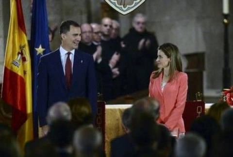 Υπέρ της μοναρχίας δηλώνει σε δημοσκόπηση το 55,7% των Ισπανών