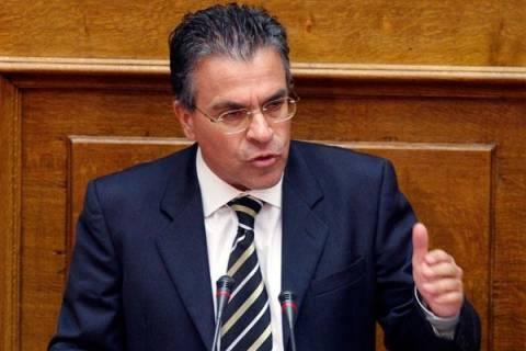 Ανασχηματισμός: Νέος υπουργός Εσωτερικών ο Αργ. Ντινόπουλος