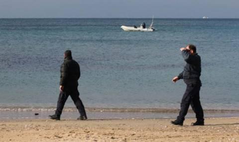 Εντοπισμός πτώματος αγνώστων στοιχείων σε παραλία της Σαλαμίνας