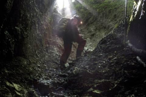 Γερμανία: Θρίλερ με τον εγκλωβισμένο σπηλαιολόγο
