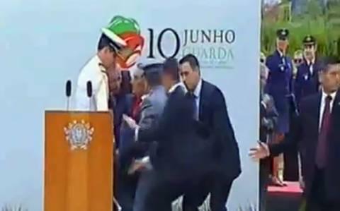 Βίντεο: Η στιγμή της λιποθυμίας του προέδρου της Πορτογαλίας