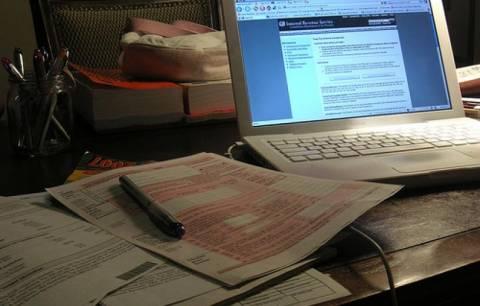 Παράταση για τις φορολογικές δηλώσεις ζητούν οι λογιστές