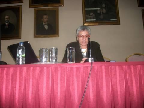 Ελληνίδα ιστορικός παρασημοφορείται στην Άγκυρα από τον Γκιουλ
