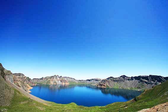 Η είσοδος στον παράδεισο βρίσκεται πάνω στο βουνό!