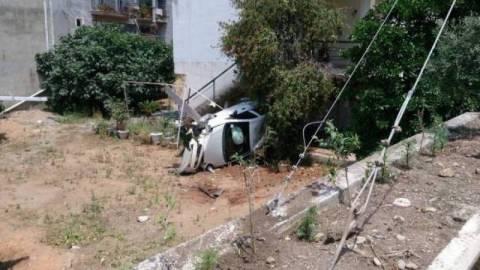 Μεσσήνη: Αυτοκίνητο έπεσε σε αυλή σπιτιού