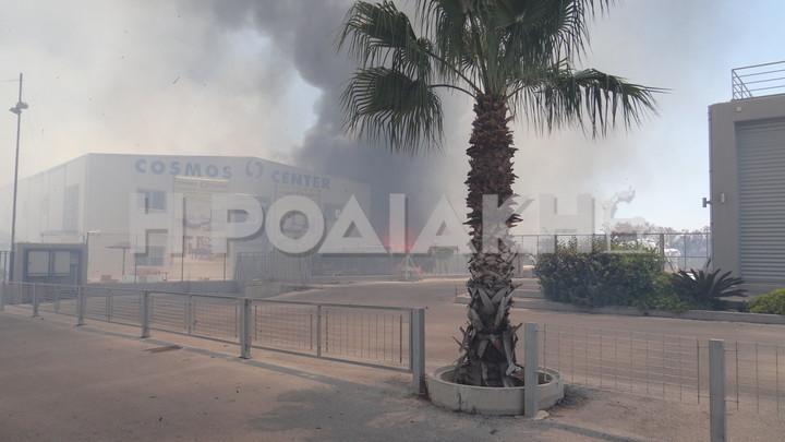 Ρόδος: Πυρκαγιά σε εμπορικό κέντρο (vid&pics)