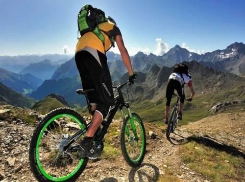 Ποδηλάτες έχασαν τον δρόμο τους στις Σέρρες εξαιτίας της κακοκαιρίας