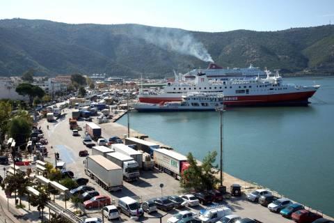 Γέμισε λύματα και... οσμές το λιμάνι της Ηγουμενίτσας
