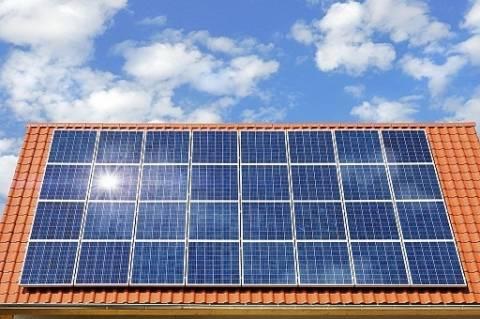 Θεσσαλονίκη: Φωτοβολταϊκά σε σχολεία και δημοτικά κτίρια