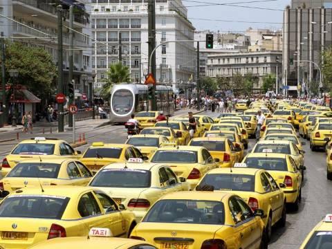 Ταξιτζήδες: «Πάρτε την τρόικα και φύγετε!»