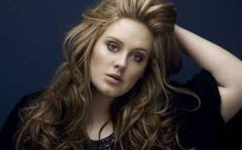 Το YouTube δίνει στην Adele... τελεσίγραφο!
