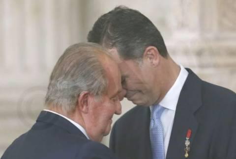 Ισπανία: Υπέγραψε την παραίτησή του από τον θρόνο ο Χουάν Κάρλος