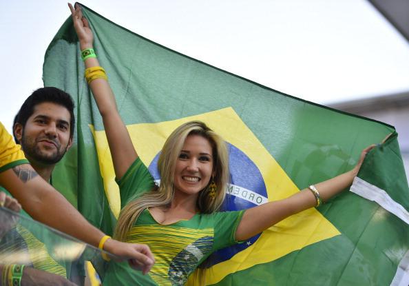 Παγκόσμιο Κύπελλο Ποδοσφαίρου 2014: Οι Βραζιλιάνες κερδίζουν τη μάχη της εξέδρας