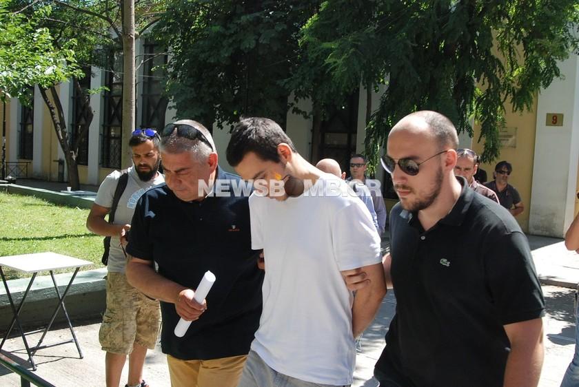 Έκτακτο: Ολοκληρώθηκε η απολογία του σατανιστή της Γλυφάδας (pics)