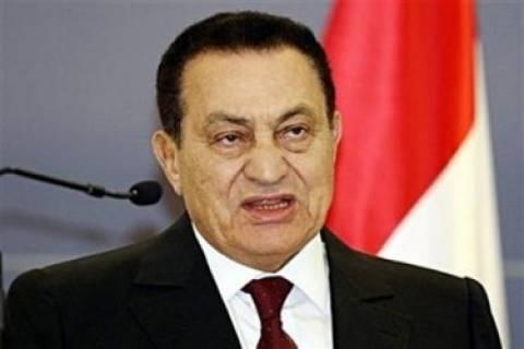 Αίγυπτος: Έσπασε το πόδι του ο Μουμπάρακ