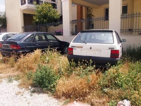 Κομοτηνή: Εκστρατεία απομάκρυνσης 110 παρατημένων οχημάτων