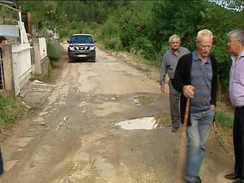 Λαμία: Παλεύουν για το αυτονόητο – Ζητούν ασφαλές οδικό δίκτυο οι κάτοικοι