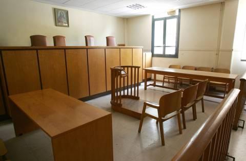 Πάτρα: Κρατούμενος χτύπησε υπάλληλο στα δικαστήρια