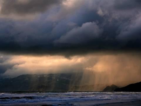 Ποιο καλοκαίρι; Άστατος καιρός με βροχές και καταιγίδες