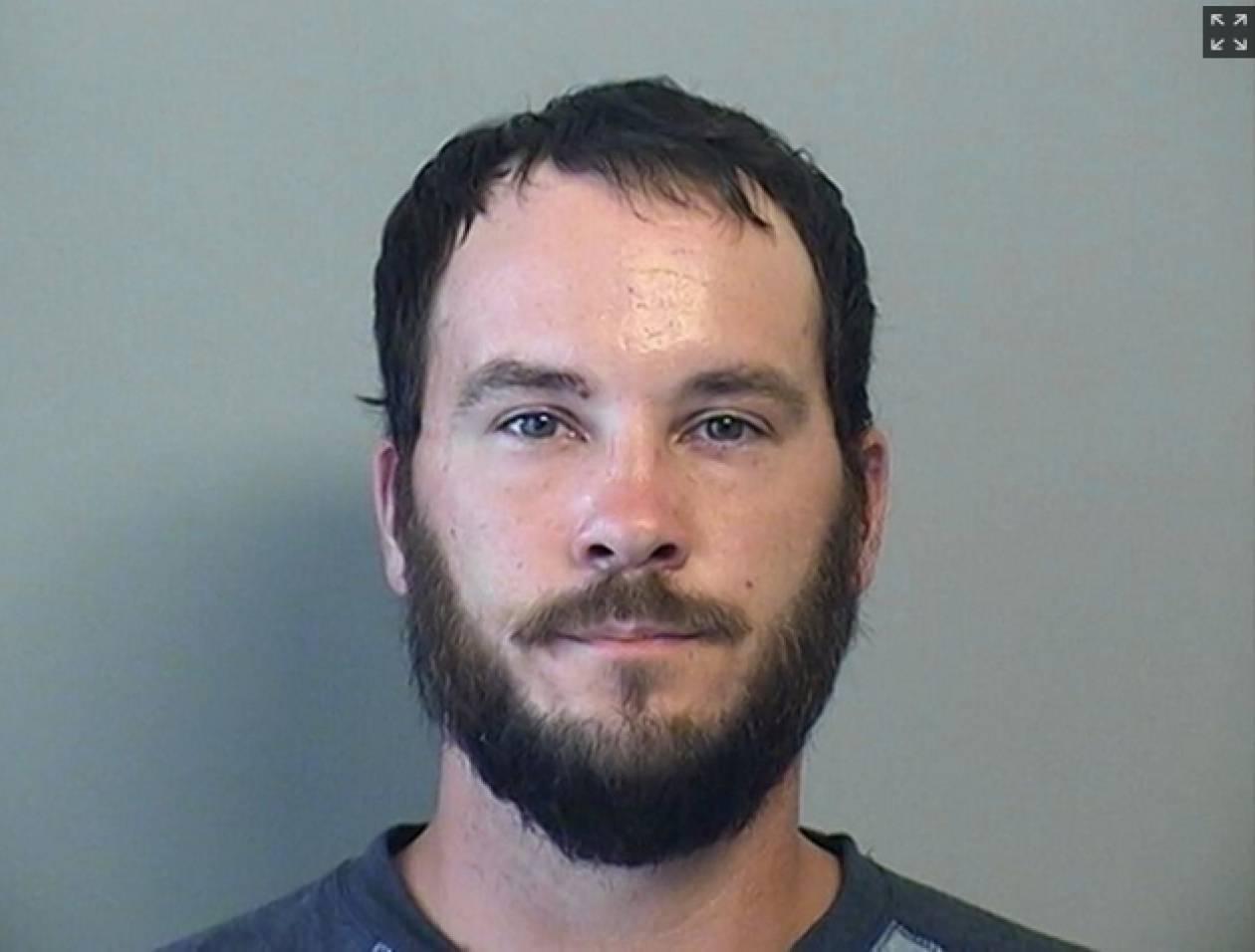 ΗΠΑ: Έκπληκτος που τον συνέλαβαν! Αυνανιζόταν δημοσίως μέρα μεσημέρι…