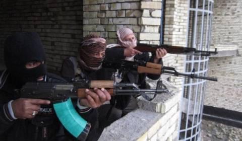 Κατέλαβαν συνοριακό πέρασμα στη Συρία οι τζιχαντιστές