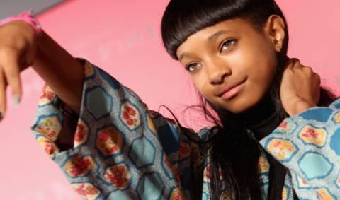 H 13χρονη κόρη του Γουίλ Σμιθ κοιμάται αγκαλιά με φίδια