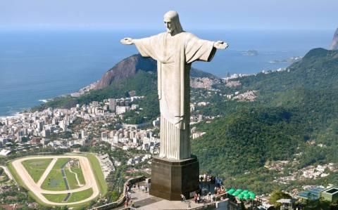 Μουντιάλ 2014: Ο Ζορμπάς στη θέση του... αγάλματος του Ιησού στο Ρίο