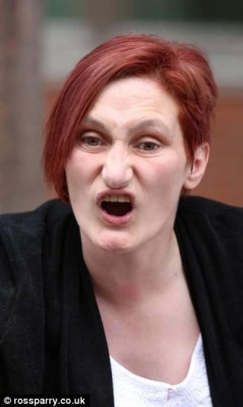Απίστευτο! Ξέχασε το παιδί της στο καυτό μπάνιο και πέθανε! (pics)
