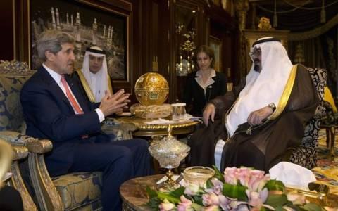 Κέρι: Επίσκεψη σε Σ. Αραβία και συνάντηση με τον βασιλιά Αμπντάλα