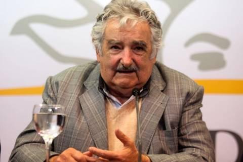 «Κανένα δάγκωμα» του Σουάρες δεν είδε ο... πρόεδρος της Ουρουγουάης!