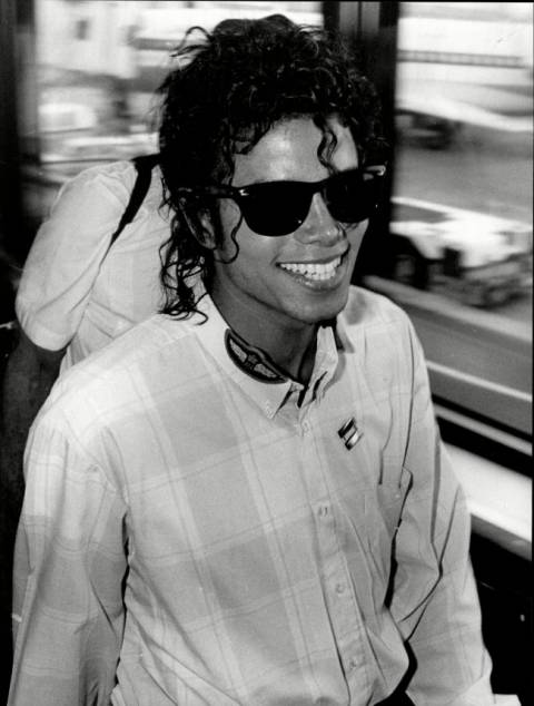 Michael Jackson: Πώς θα ήταν αν δεν είχε κάνει πλαστικές επεμβάσεις; (pics)